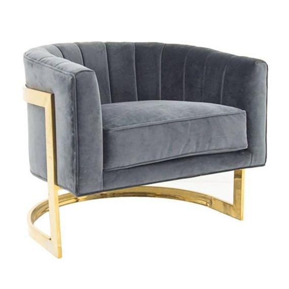 Кресла с латунными ножками