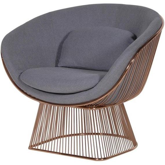 Кресла с хромированными ножками